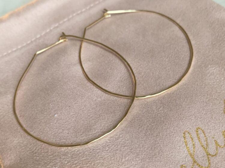Lightweight Hammered Classic Gold Hoop Earring